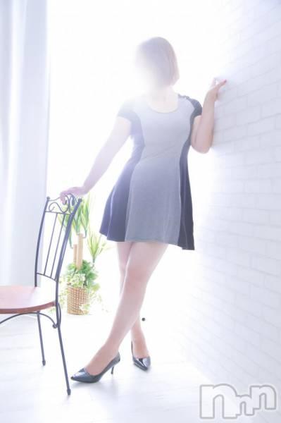 美沙子(みさこ)(37)のプロフィール写真4枚目。身長169cm、スリーサイズB97(F).W63.H96。長岡人妻デリヘル秘め妻ラボ(ヒメツマラボ)在籍。