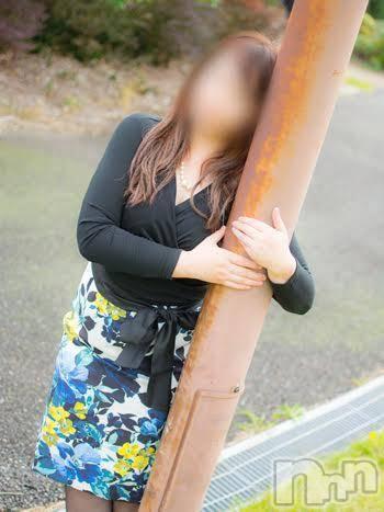 まほ(40)のプロフィール写真2枚目。身長155cm、スリーサイズB97(E).W77.H98。松本デリヘルPrecede(プリシード)在籍。