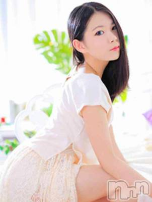 上田(20) 身長157cm、スリーサイズB83(C).W56.H83。新潟ソープペントハウス在籍。