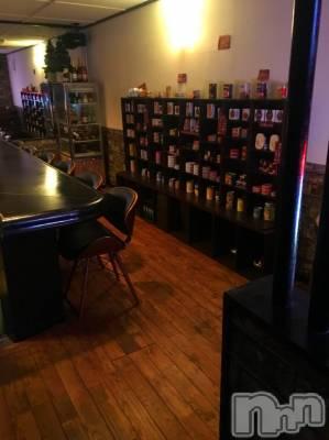 権堂ガールズバー BAR CHEERS(バー チアーズ)の店舗イメージ枚目「秘密基地の様な、落ち着いたオシャレな店内は、ひとつひとつがこだわり☆」