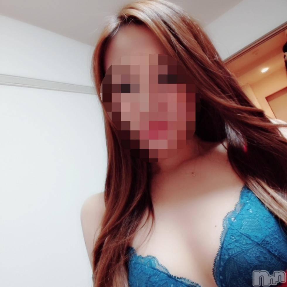 新潟デリヘルプレミアム れん/新人(24)の11月4日写メブログ「好きな色♪」