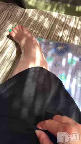 上越人妻デリヘル 愛妻(ラブツマ) 愛嬌〇小松えりの9月15日動画「触って欲しいの」