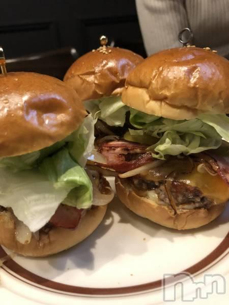 古町ガールズバーchou chou(シュシュ) マナミの4月16日写メブログ「ちっちゃいハンバーガー」