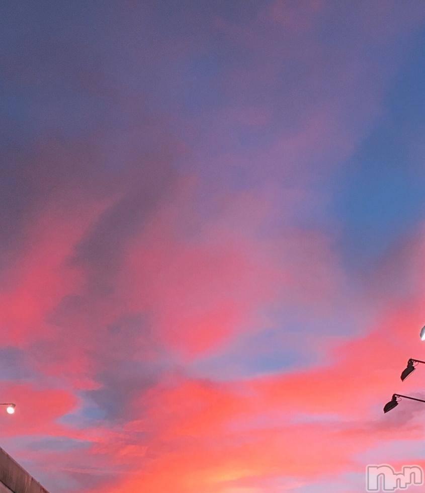 三条デリヘルシュガーアンドブルーム ★新人★ねる★(18)の7月22日写メブログ「まっかっか」