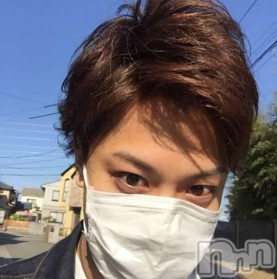東 蓮(23) 身長178cm。新潟駅前飲食店・ショットバー ALA(アーラ)在籍。
