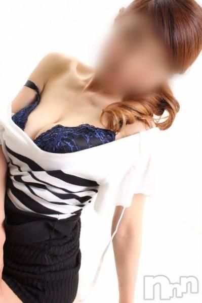 佐藤れな(34)のプロフィール写真2枚目。身長157cm、スリーサイズB85(E).W60.H86。新潟人妻デリヘル姉妻(アネツマ)在籍。
