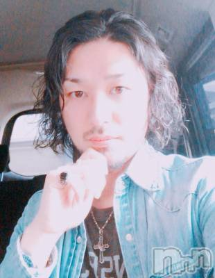 福田元気(38) 身長177cm。新潟駅前飲食店・ショットバー ALA(アーラ)在籍。