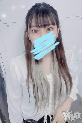 体験入店 れみ(18) 身長163cm、スリーサイズB87(E).W58.H84。甲府ホテヘル Candy(キャンディー)在籍。