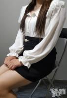 体験入店 りりこ(18) 身長153cm、スリーサイズB83(D).W58.H82。甲府ホテヘル Candy(キャンディー)在籍。
