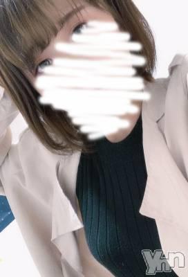 新人ひかり(18) 身長155cm、スリーサイズB82(D).W57.H80。甲府ホテヘル Candy(キャンディー)在籍。
