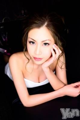 リサ(22) 身長158cm。富士吉田キャバクラ Lounge Cinderella(ラウンジ シンデレラ)在籍。